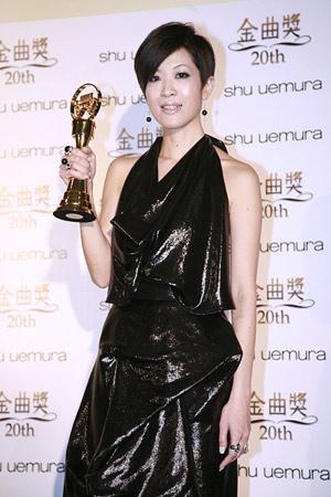 陈珊妮第一次入围最佳国语女歌手就顺利封后
