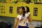 图文:拉拉宝贝乒超赛场秀清纯 小T恤显身材