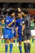 图文:[中超]杭州VS上海 不满点球