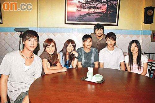 众演员身在泰国拍摄,林家栋(右三)更遇过怪事