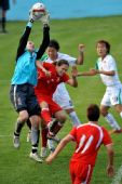 图文:中国女足3-0波兰 王冬妮积极拼抢