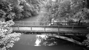情人桥是学生的约会胜地