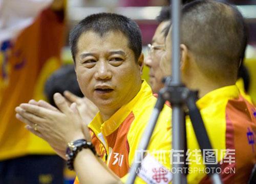 图文:[乒超]八一2-3不敌宁波 王涛有点不解