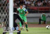图文:[中超]北京2-1大连 徐云龙传球