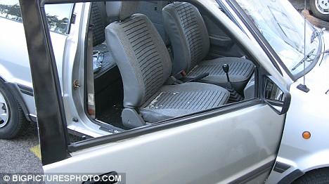 01-轿车玻璃破碎