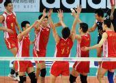 图文:世界男排联赛中国3-2美国 队员庆祝获胜