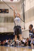 图文:[NBA夏季联赛]魔术-雷霆 安德森投篮出手