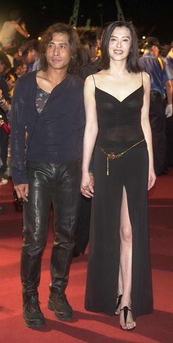 齐秦和王祖贤2001年时参加台湾金曲奖