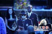 图:杰克逊公众悼念仪式-费尔德曼和妻子