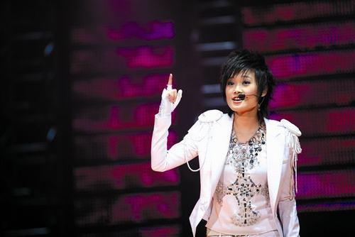 李宇春车祸死亡了吗_李宇春属于2005年 也属于成都-搜狐娱乐