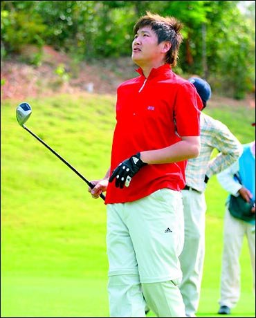 孙楠在高尔夫球场