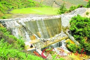 渗水大坝加紧腾空库容,将被拆除。