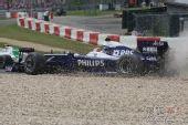 图文:F1德国大奖赛正赛 中岛一贵冲出赛道