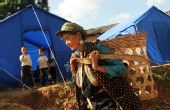 云南姚安地震灾区群众开展自救 恢复农业生产