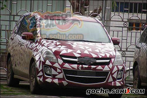 搜狐汽车再次获取了马自达8国内测试谍照