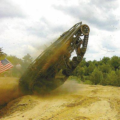重量:4吨最快时速:96公里加速时间:从零到80公里/小时只需要5秒