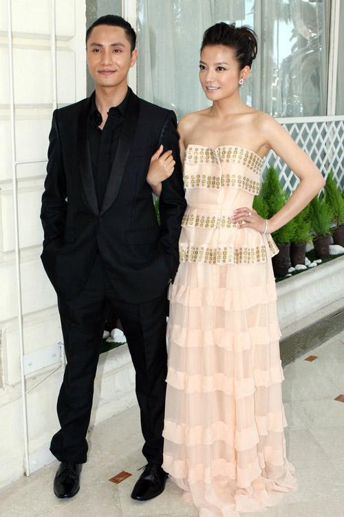 赵薇与陈坤亮相戛纳电影节,为《花木兰》宣传。