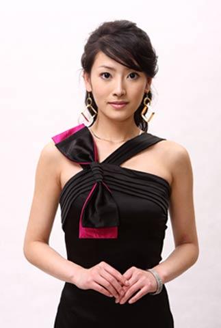 杨卿加盟《时尚王国》 娇俏富家女形象惹人爱
