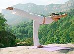 千瀑沟实拍练瑜伽美女