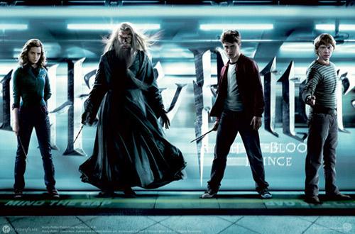 《哈6》在全球范围内票房狂收,但在中国内地首日票房成绩不如《变2》。