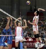 图文:中国男排2-3意大利 焦帅传球瞬间