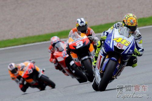 图文:2009年MotoGP德国站 领奖台上的车手