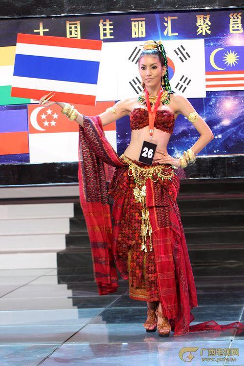 泰国模特很妖艳
