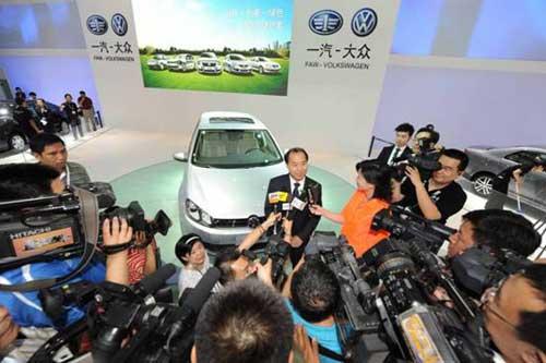 一汽-大众有限公司商务副总经理、一汽-大众销售有限责任公司总经理胡咏先生接受访问