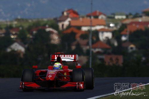 图文:F1匈牙利站第一次练习赛 马萨在比赛中