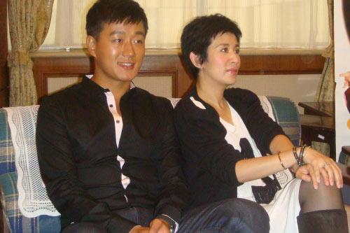 佟大为和吴君如接受上海媒体采访
