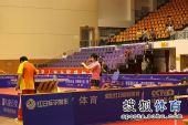 图文:张怡宁助北京3-1大同 丁宁做准备活动