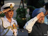 印度总理辛格参加了首艘核潜艇下水仪式