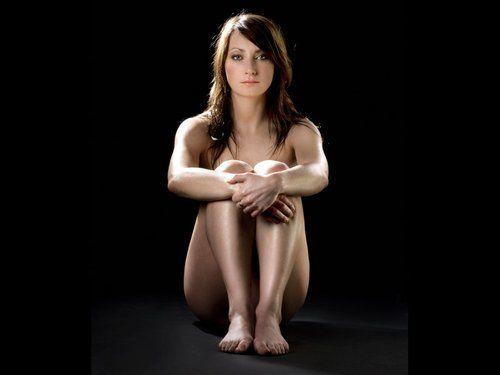 相甜美的日本美女高清大胆露阴裸照_法国女足美女集体拍裸照救本国女足运动(组图)