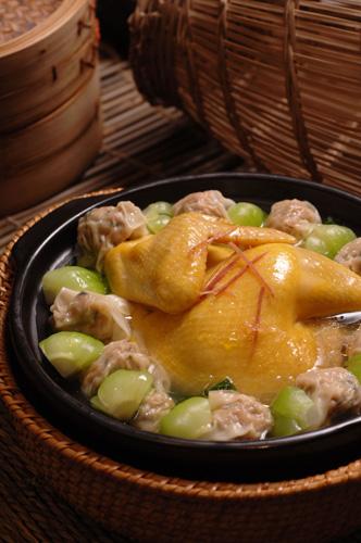 砂锅云吞鸡