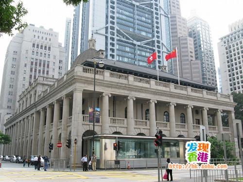 香港立法会大楼,位于中环昃(音读仄)臣道