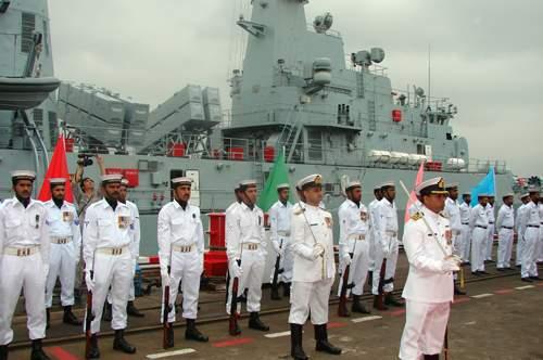 7月30日,上海沪东中华造船厂为巴基斯坦海军建造的首艘F-22P型护卫舰正式交付巴基斯坦海军。