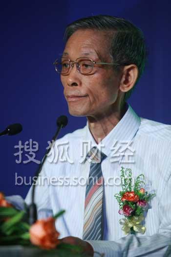 国务院发展研究中心原副主任、全国人大财经委员会委员 陆百甫