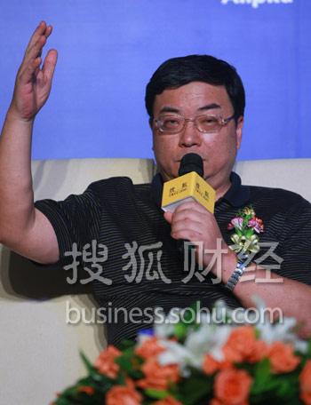 中央党校教授、中国市场经济研究会常务副会长 周为民