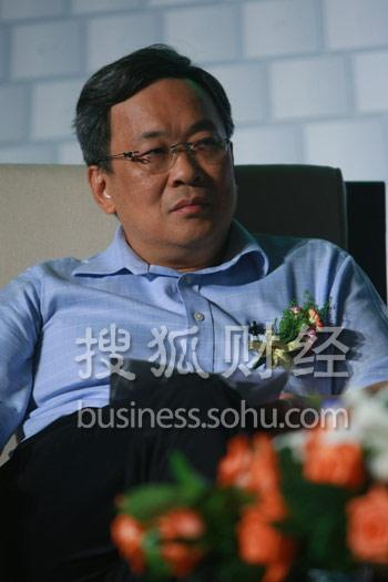 北京大学经济学院金融系主任 何小锋