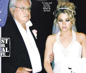 克里斯汀和哈迪的结婚照。