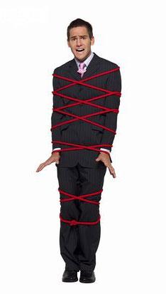 心仪的女人捆绑在同一根绳索上――男人是女人的男人