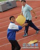 图文:[中超]青岛1-1杭州 他为什么暴怒