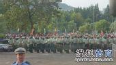 图文:[中超]青岛1-1杭州 防暴警察执勤