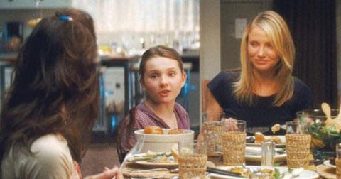 卡梅隆-迪亚兹在新片《姐姐的守护者》中饰演一位有着三个女儿的母亲
