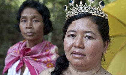 """柬埔寨政府叫停世界""""地雷小姐""""选美比赛"""