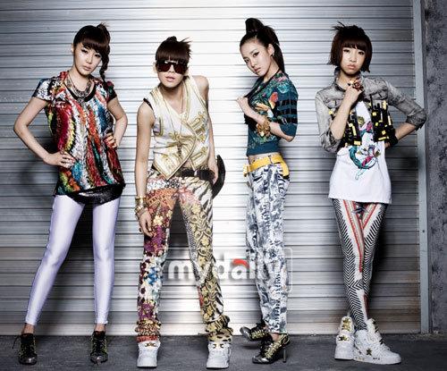 2NE1在女子组合大战中崭露头角
