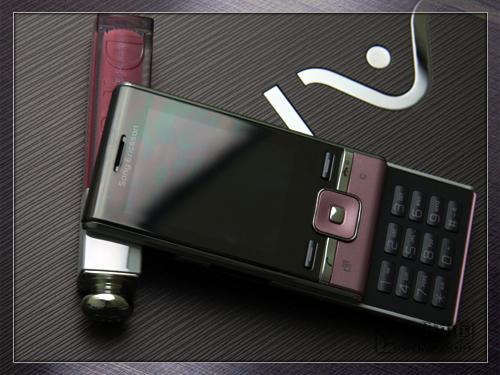 玩转开心网 索尼爱立信3G滑盖T715评测