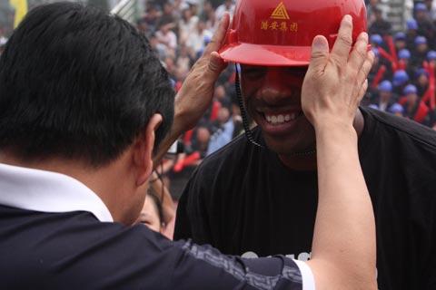 王庄/佩戴安全帽