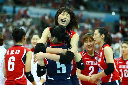 韩国女排庆祝