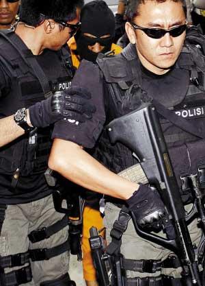 印尼特警抓恐怖元凶任重道远。